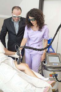 """Д-р Валянова третира успешно и с моментален ефект """"спукани"""" капиляри в една от най-засегнатите при дамите зони - долни крайници"""